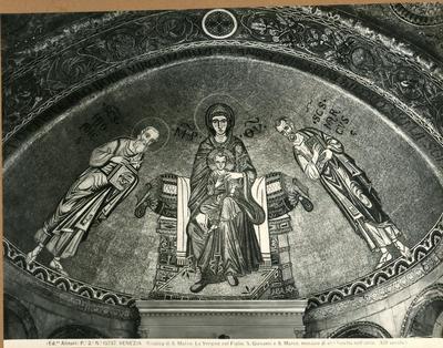 Venezia. Basilica di S. Marco. La Vergine col Figlio, S. Giovanni e S. Marco, musaico di una lunetta dell'atrio (XIII secolo)