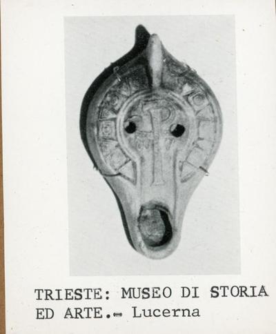 Trieste. Museo di Storia ed Arte. Lucerna