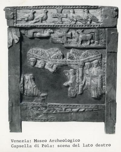Venezia. Museo Archeologico. Capsella di Pola: Scena del lato destro