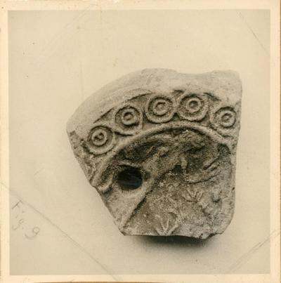 Ravenna: Museo Nazionale. Frammento di lucerna dagli scavi di Classe 1979