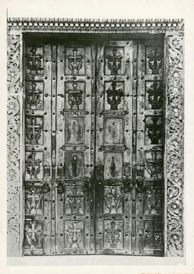 Amalfi: duomo. Porta
