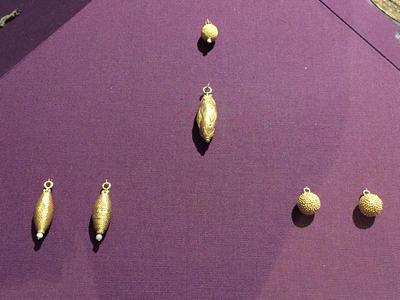 Bulgaria, Archaeological Museum of Preslav, Preslav Treasure, granulated and filigreef pendants and buttons