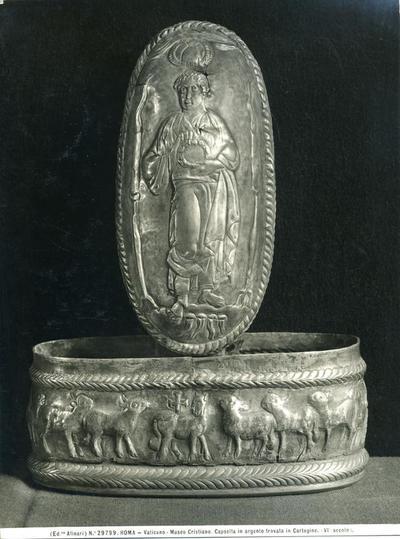 (Ed.ne Alinari) N.° 29799. Roma. Vaticano - Museo Cristiano. Capsella in argento ritrovata in Cartagine (VI secolo)