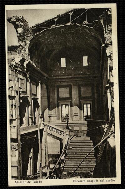 Alcázar de Toledo : Escalera después del asedio.-.