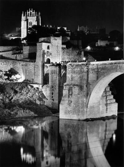 Puente de San Martín e iglesia de San Juan de los Reyes por la noche.-.