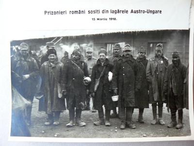 Prizonieri români reîntorși acasă (1918)