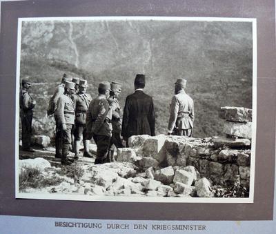 Besichtigung durch den Kriegsminister
