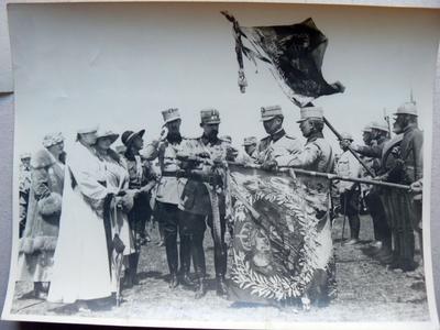 M. S. Regele decorand (august 1917)