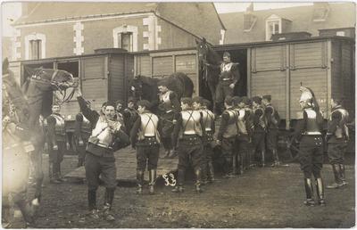 Débarquement des chevaux, vers 1911.