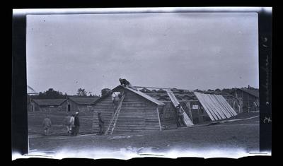 FRAD077-116, Photographies prises par un soldat anonyme.