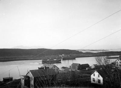 To båter i Brønnøysundet