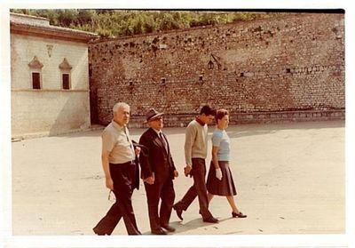 Aldo Capitini con famiglia Binni. 3
