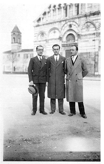 Capitini a Pisa con due persone