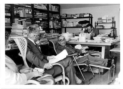 Aldo Capitini in casa con amici. Luigi Clementi