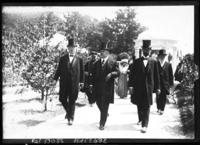 20-5-14, exposition d'horticulture [au cours la Reine inaugurée par le président Poincaré] : [photographie de presse] / [Agence Rol]