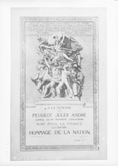 [Plaque commémorative à la mémoire de Peugeot Jules André] : [photographie de presse] / [Agence Rol]