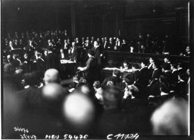 Le procès Caillaux : la déposition de Mme Gueydan : [photographie de presse] / Agence Meurisse
