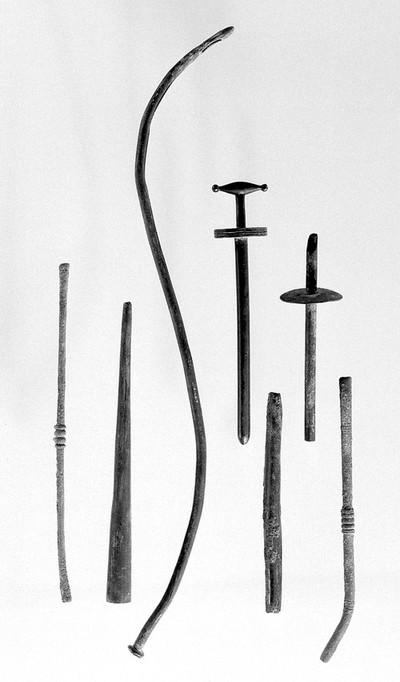 Ancient Roman and Greek surgical instruments (A-G):