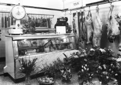 Interieur van slagerij H.J. Jacobs.