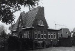 Gemeentehuis. Gebouwd in ca. 1930. Architect: F.J. Vervest.