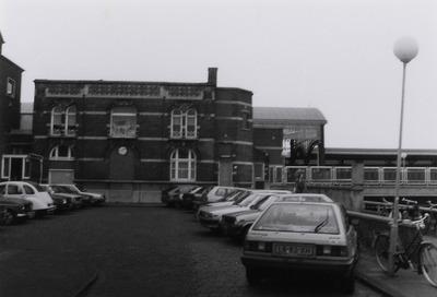 Bedrijfswoningen Nederlandse Spoorwegen, horende bij het station ontworpen door S. van Ravesteyn.