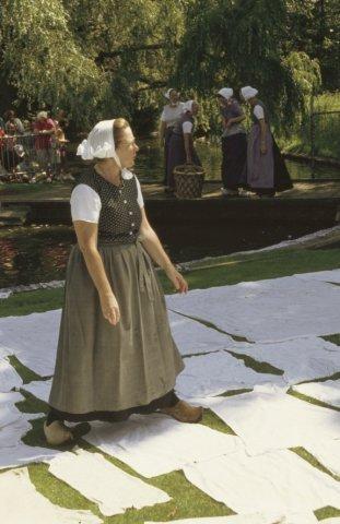 Demonstratie wasbleken op de Weijerd