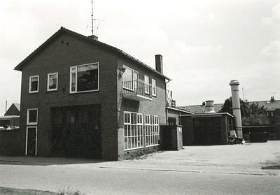 Van Galenstraat 37, Amersfoort, autospuiterij Bakkenes.