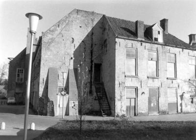 Observantenklooster voor de restauratie, Amersfoort. Links Achter Davidshof.