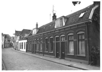 Bloemendalsestraat, Amersfoort. Van rechts naar links de nummers 72, 70, 68, 66, 64 en 62.