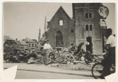 Verwoesting van de Nederlands Hervormde Kerk op de Markt in Wereldoorlog II.