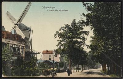 Rijksstraatweg (later Generaal Foulkesweg), blik op Molen De Eendracht. Kijkrichting is naar het zuidwesten, richting binnenstad.