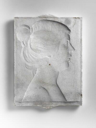 Vrouwenportret, naar rechts gericht en profile.