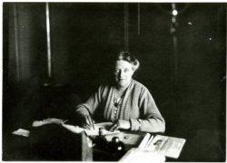 A. Verdoorn, directrice van een school aan de 's-Gravenzandelaan