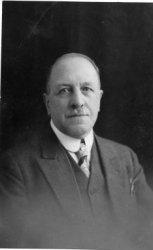 Th.L. Harlaar, redacteur van de Nieuwe Courant en het Vaderland (overleden in Rook op 1-4-1952)