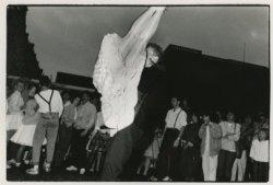 Rock & roll-demonstratie op het Plein door dansschool Rockaround