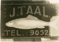 Lichtbak voor de firma J. Taal aan de Beeklaan 376A