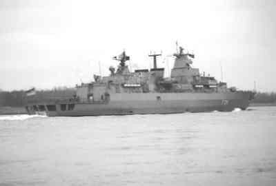Bezoek van het NAVO squadron <i>Standing Naval Force Atlantic</i> (STANAVFORLANT).<br>Op de Nieuwe Waterweg het Duitse geleidewagenfregat FGR           <i>Mecklenburg-Vorpommern</i> (1996-). <br>