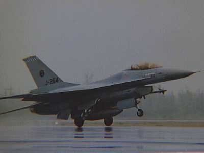 Start van een F-16 in Goose Bay Canada