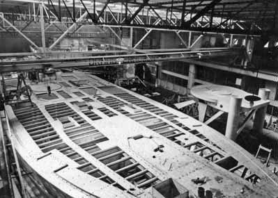 Bouw van de mijnenveger 'Meppel' (Dokkum/Wildervank Klasse) bij de bouwwerf Haarlemse Scheepsbouw Mij. te Haarlem van 1954 tot 1956.