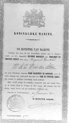 Oorkonde Zilveren Medaille voor eerlijk en trouwe dienst. Aan Sgtknst. W.A.C.P. van den Akker. 's gravenhage, 20-01-1911