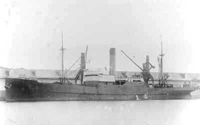 Vrachtschip s.s.Drechtstroom H.S.M. geb.1918, brt. 1717. In 1934 verkocht aan Rusland