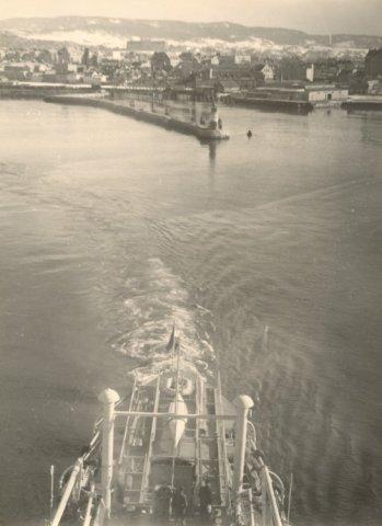 Opnemingsvaartuig Hr.Ms. Luymes (1952-1973), vertrek uit Trondheim tijdens proefvaart
