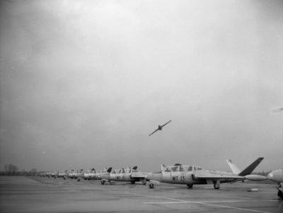 Fouga CM 170 Magister lesvliegtuigen waarmee Nederlandse leerling-vliegers op de Belgische vliegbasis Brustem samen met hun collega's van de Belgische luchtmacht de           Voortgezette vliegeropleiding (VVO) volgenDe VVO duurt ongeveer 39 weken.