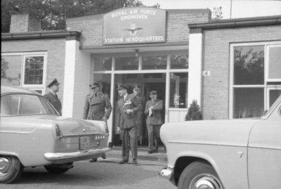 Z.K.H. Prins Bernhard, Inspecteur-Generaal van de Koninklijke Luchtmacht bracht op 10 maart 1959 een bezoek aan de vliegbasis Eindhoven waar hij in een door hem zelf           gevlogen T-33 arriveerde. De prins bezocht diverse onderdelen en diensten van de basis. Bezocht werden 314 en 315 squadron en na aldaar een demonstratie van ATO-starts en een scramble van           tweemaal 6 F-84F's te hebben bijgewoond, vervolgens de verschillende andere afdelingen.Eveneens bracht de prins een bezoek aan het kamp waar het op de vliegbasis Eindhoven           gelegerde personeel van de Britse Royal Air Force is gehuisvest.