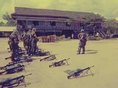 Aangetreden militairen gereed voor patrouille.