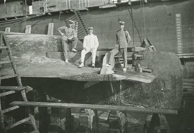 Onderzeeboot Hr.Ms. <em>K I</em> (1914-1928) in het dok te Soerabaja
