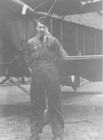 Jacques Apon, Luchtvaartafdeeling (LVA) Waalhaven. Omstreeks jaren 30 van de 20e eeuw.