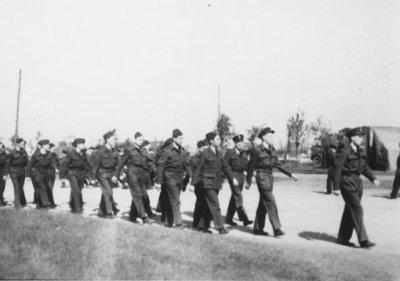 Groepsfoto van mannen van 322 squadron.<br/>Tweede wereldoorlog.