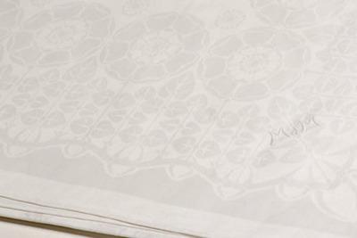 Servet met decor van rozen, dessin 509 (Rozen)