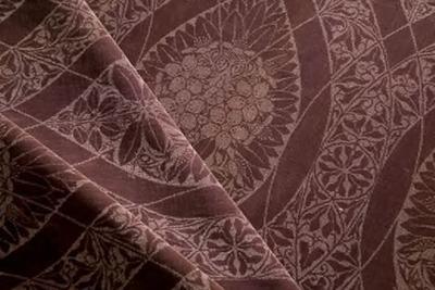 Gordijnstof met gestileerd bloemmotief